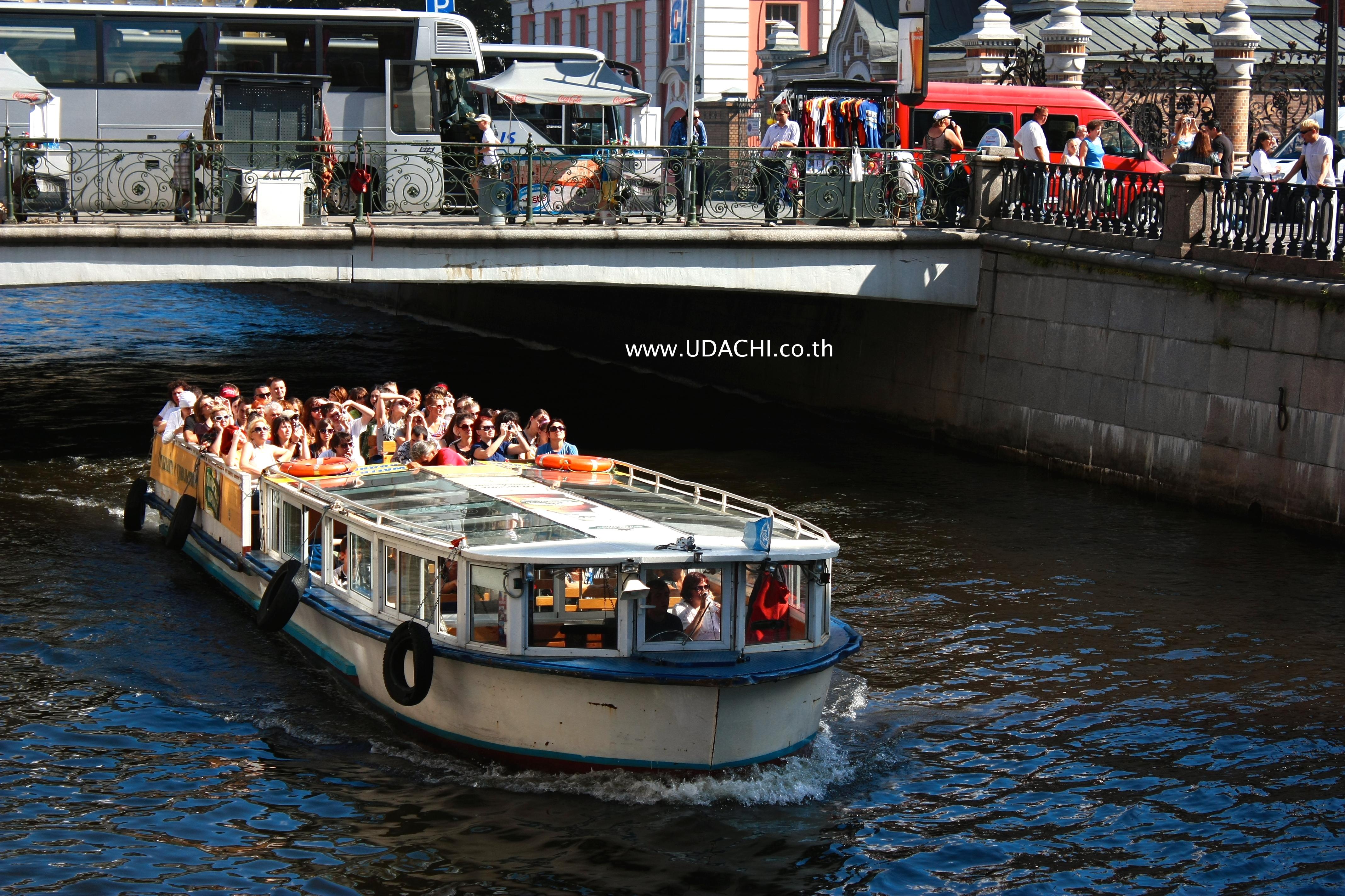 ล่องเรือชมคลองและแม่น้ำเนวา